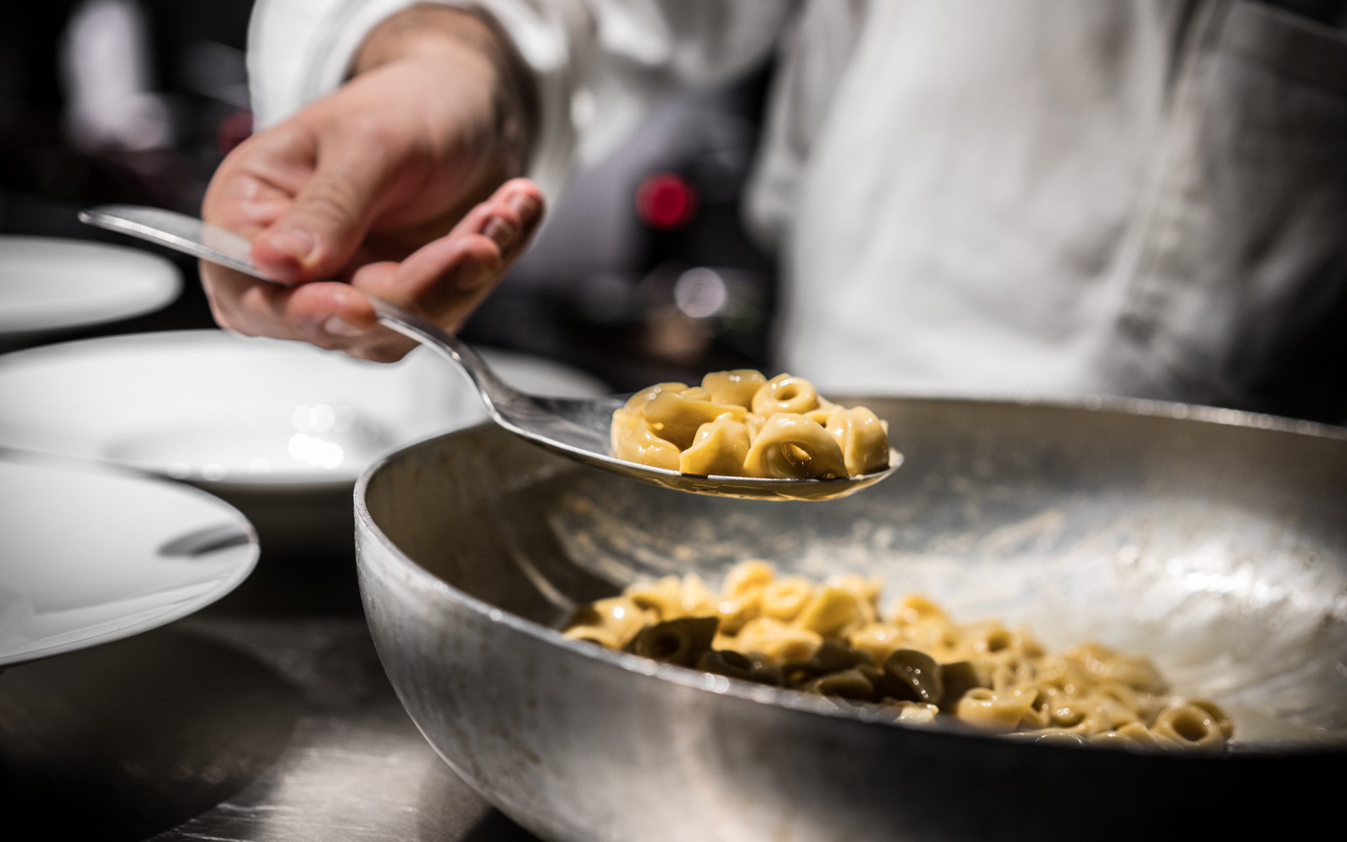 Retrobottega tortellini, anguilla e finocchio